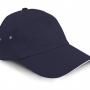 Plīša cepure ar nadziņu.